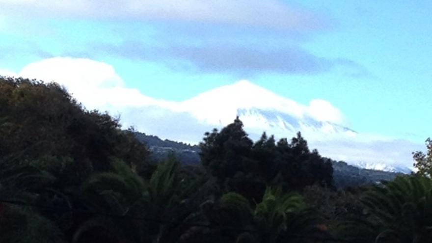 Vista del Teide nevado desde La Laguna. (Canarias Ahora).