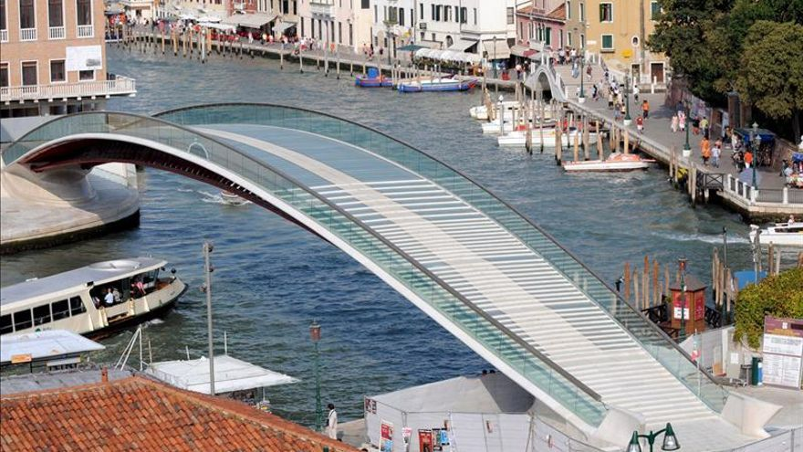 Aplazan un año el proceso a Calatrava por el sobrecoste del puente de Venecia