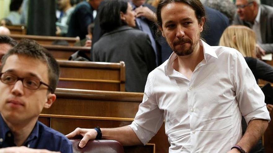 """Iglesias: """"cualquier día los trabajadores le entregan la S y la O al PSOE"""""""