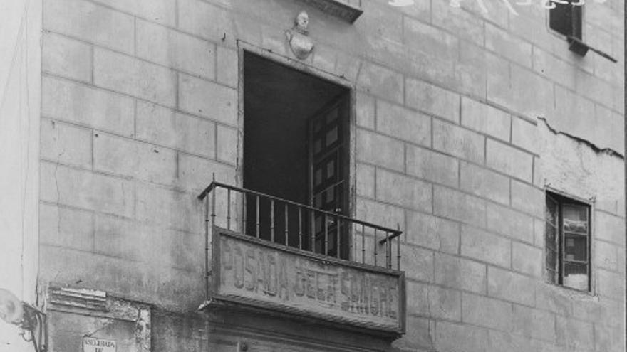 Posada de la Sangre con placa homenaje a Cervantes. FOTO: Blog Toledo Olvidado