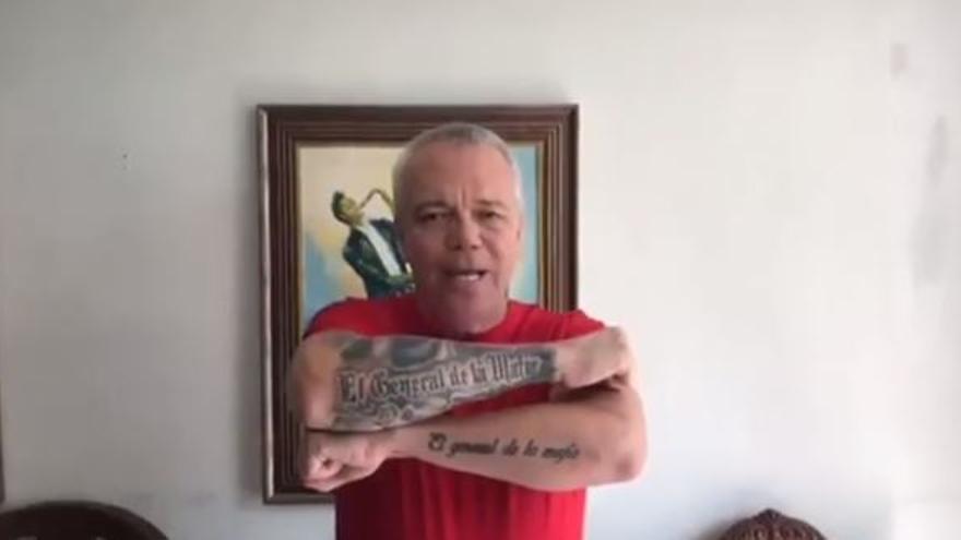 El sicario de Pablo Escobar Jhon Jairo Velásquez, en el vídeo de apoyo a los ultras del Murcia