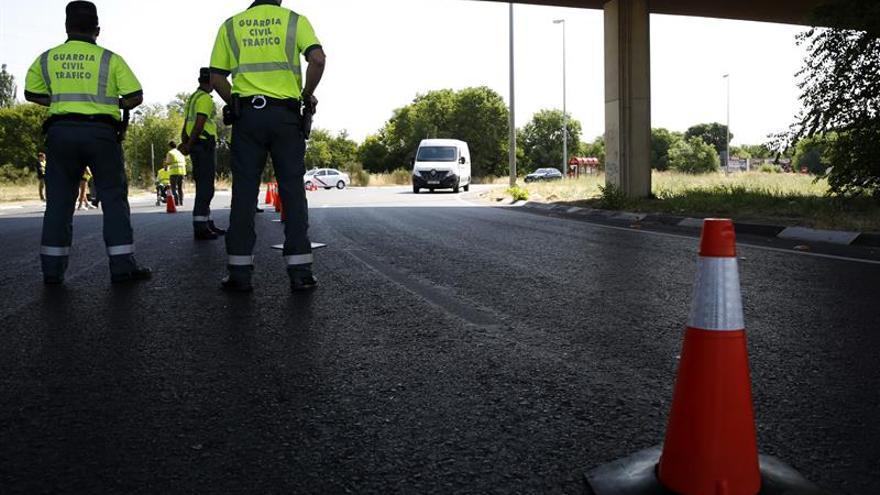 Dos muertos y dos heridos al chocar un coche y un camión en la N-I en Burgos