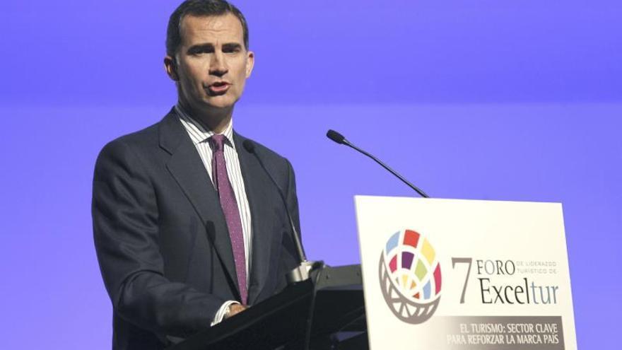 El Príncipe destaca el empuje del turismo para relanzar España y su economía