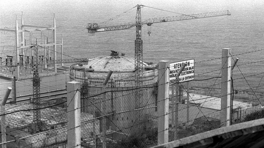C:\fakepath\Las obras de la central de Lemoiz, en 1980, Archivo personal de Jonan Zunkunegi.jpg