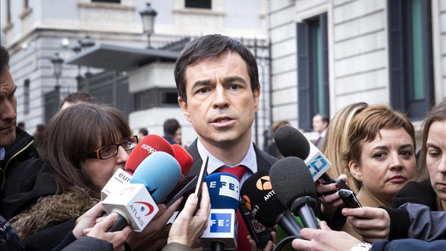 """Herzog tacha de """"impresentable"""" el cara a cara entre Rajoy y Sánchez"""