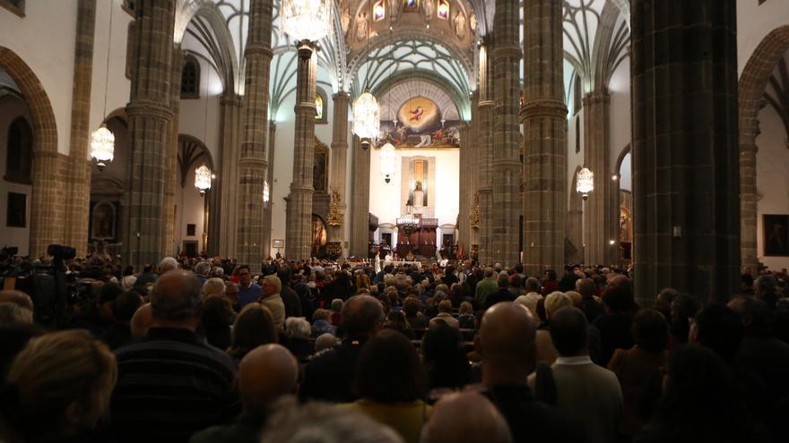 Aspecto de la Catedral de Santa Ana durante la misa