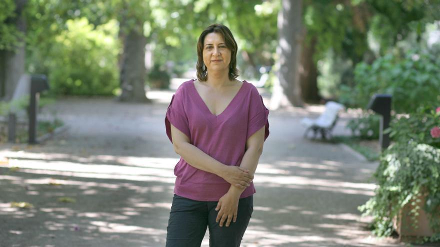 Rosa Pérez, consellera de Participación, en el jardín Botànico de València.