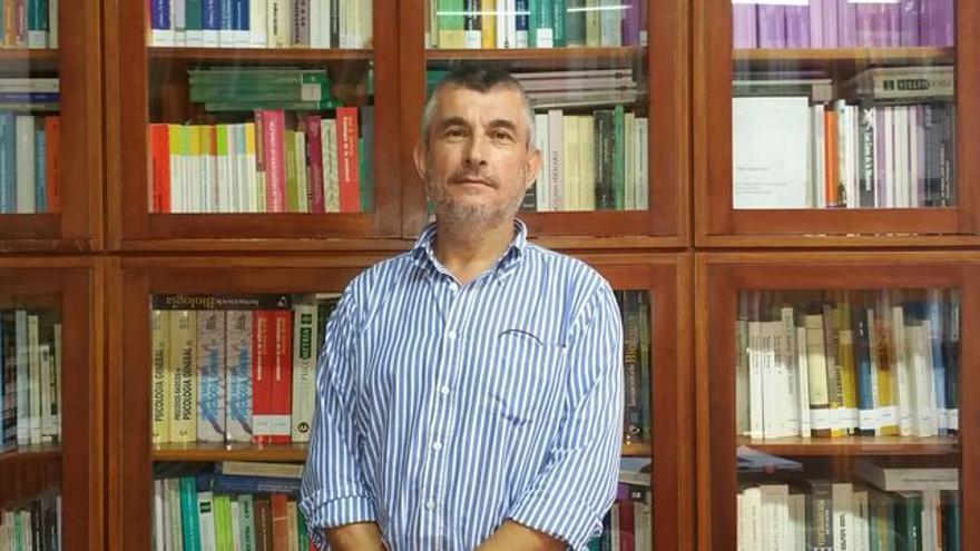 Javier Neris el el director del Centro Asociado de la UNED en La Palma. Foto: LUZ RODRÍGUEZ.