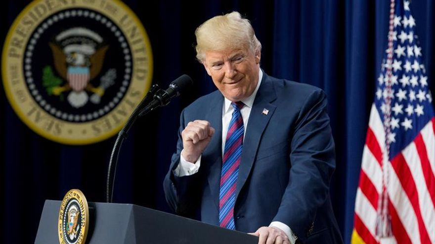 """Trump asegura que las reuniones preparativas a su cumbre con Kim Jong-un """"van bien"""""""
