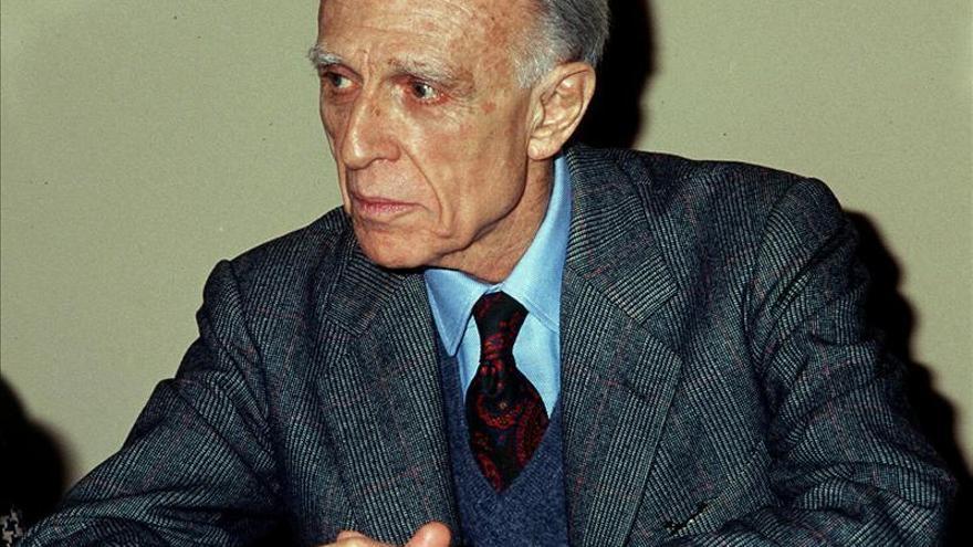 Bioy Casares también escribía novelas de amor