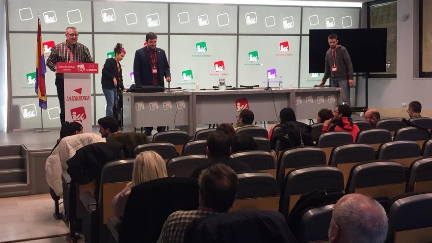 """IU se ofrece a hacer de """"pegamento"""" para que la izquierda presente una candidatura única a la Comunidad de Madrid"""