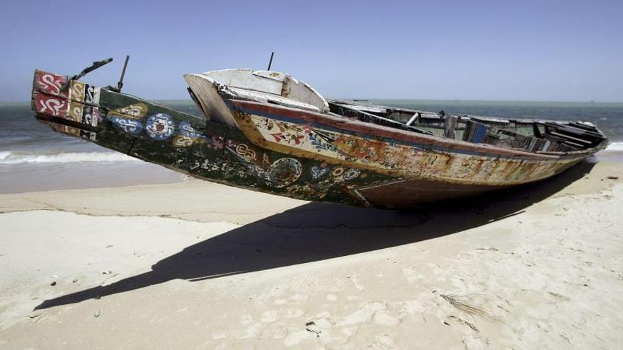 Al menos 57 muertos en el naufragio de una patera que iba a Canarias