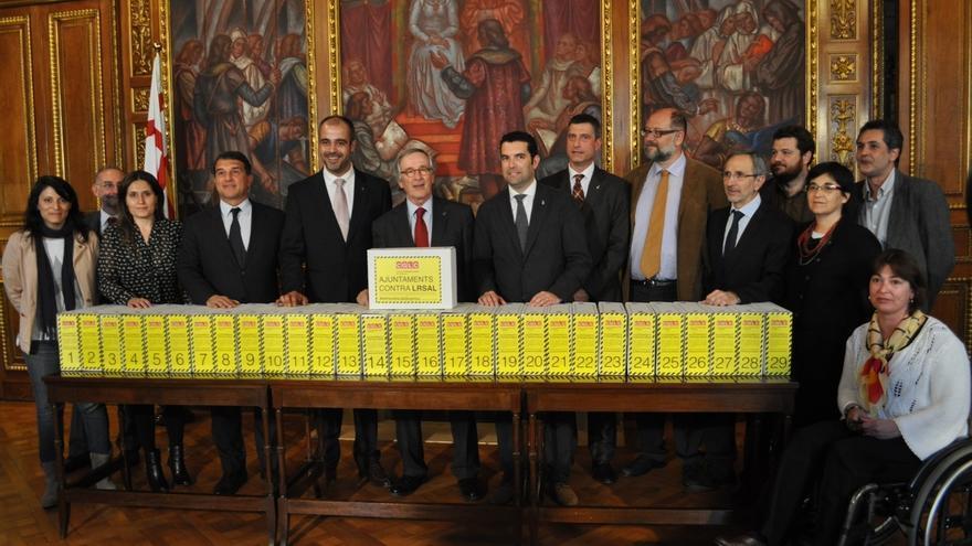 Un total de 803 de los 947 ayuntamientos de Catalunya llevarán la reforma local al TC