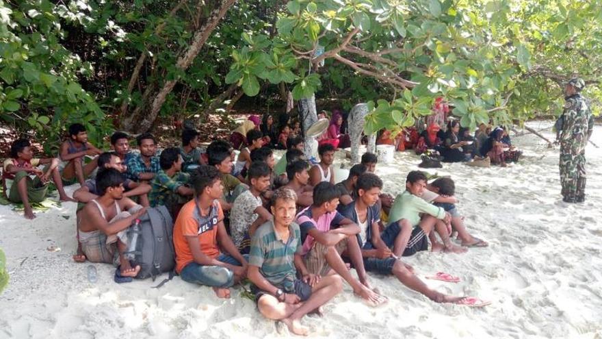 La ONU alerta de la amenaza de genocidio que pesa sobre 600.000 rohinyás en Birmania