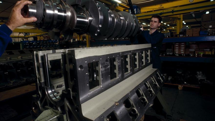 Las empresas industriales son las que asumen más empleo.