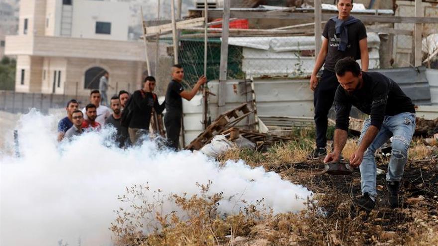 Muere palestino por heridas provocadas durante las protestas en Gaza