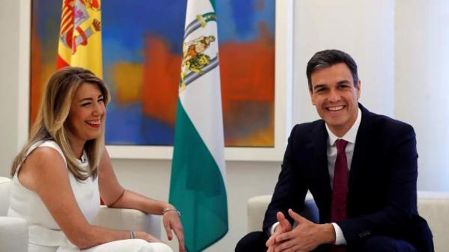 Susana Díaz junto a Pedro Sánchez en Moncloa, en una imagen de archivo.