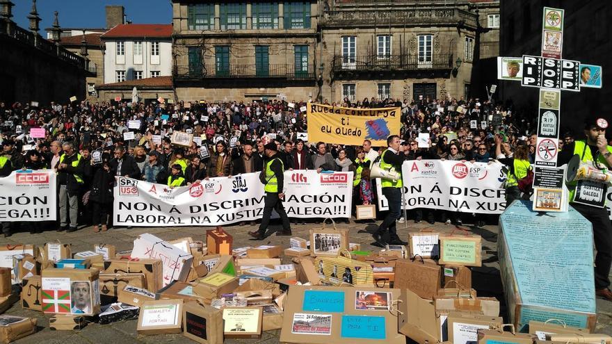 Final de la manifestación del personal de Justicia, en la compostelana Praza da Quintana