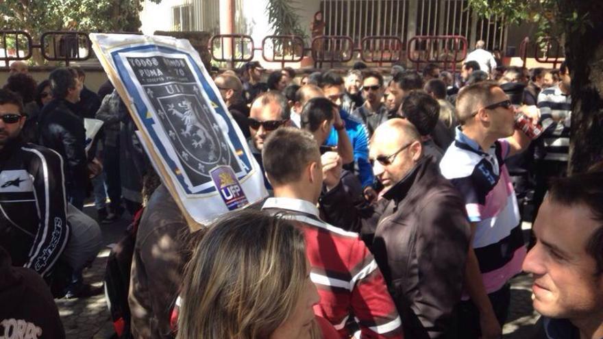 Las UIP andaluzas se concentran en apoyo a los agentes heridos en el 22M