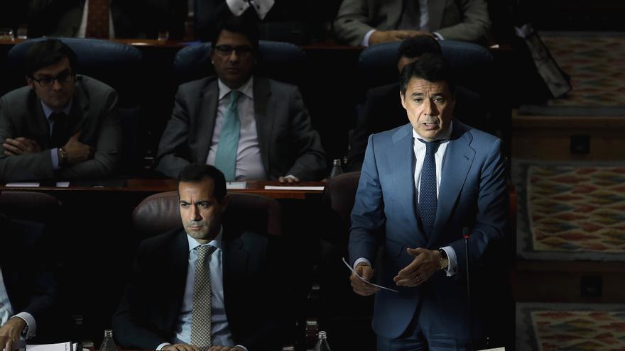 """IU ve a Ignacio González """"con los pies en cemento"""" tras la imputación de su esposa y le aconseja pensar en la dimisión"""