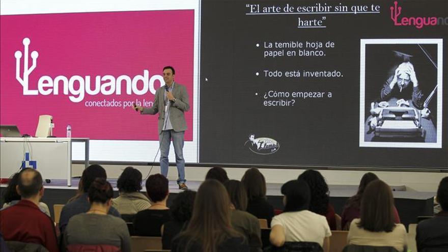 """La Fundéu BBVA saca a la calle sus debates lingüísticos en """"Lenguando"""""""