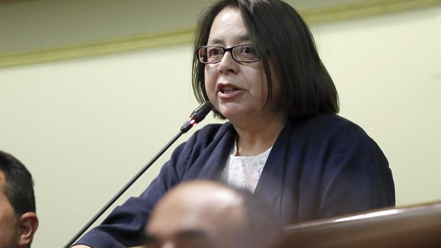 Pilar Marcos ocupa su escaño de diputada del PP en sustitución de Carmen Álvarez