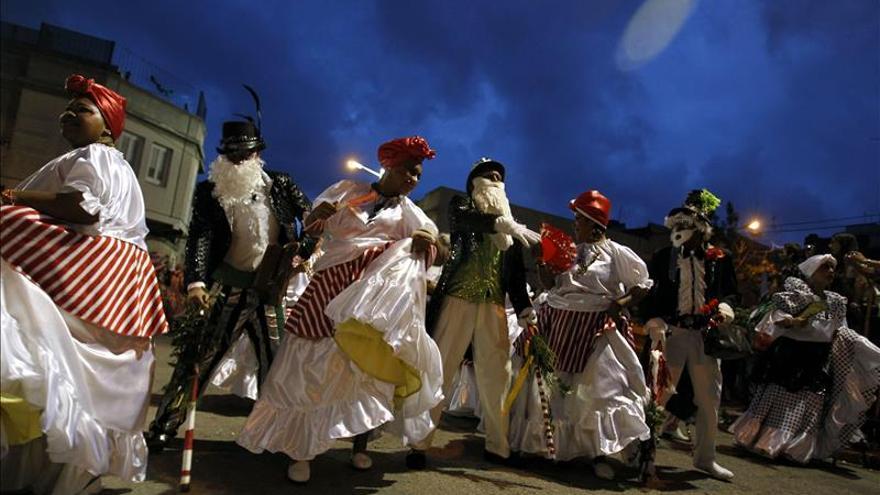 """Las """"Llamadas de Otoño"""" calientan las calles de Montevideo a ritmo de candombe"""