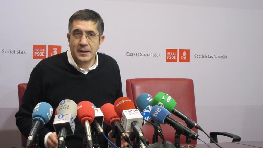 """PSE insta al Gobierno vasco a que """"diga algo"""" sobre la ley del Aborto y acusa a PNV de """"avalar las políticas"""" de PP"""