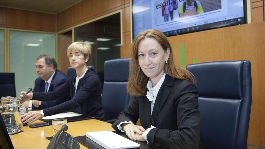 Leticia de la Hoz, abogada de la familia de la víctima de abusos sexuales en Gaztelueta, este lunes en el Parlamento