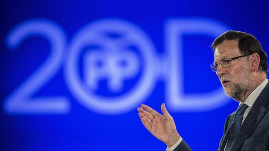 Rajoy recuerda a Suárez para reivindicar el consenso en los asuntos de Estado