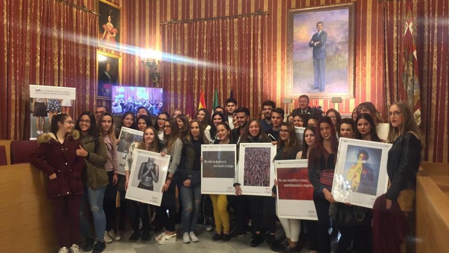 Espadas reivindica el papel de la juventud para luchar contra la violencia de género
