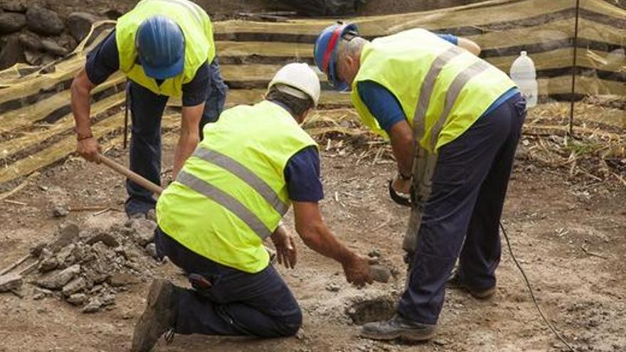 Trabajos de excavación en los pozos de Tenoya