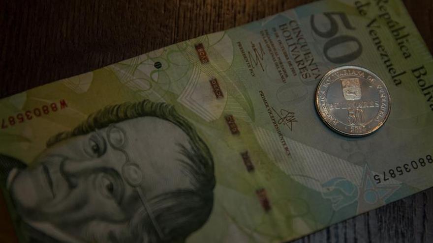 Bancos venezolanos comienzan a recibir los nuevos billetes bajo estrictas normas
