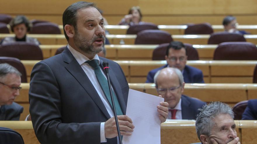 """Ábalos avisa a PP y Ciudadanos de que """"pasarán a la historia"""" por """"abrir la puerta a la ultraderecha"""" en Andalucía"""