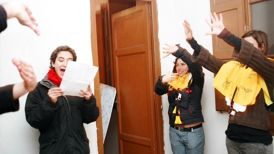 Ada Colau prepara una acción por la gratuidad del metro en Miles de Viviendas / Flickr: Miles de Viviendas
