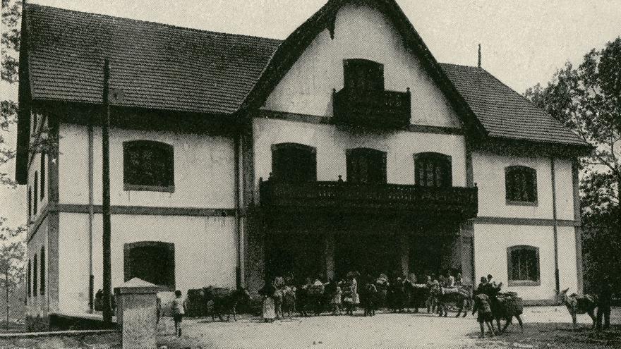 Cooperativa de Las Forjas de Buelna. | Archivo Paulino Lagunillo / Desmemoriados