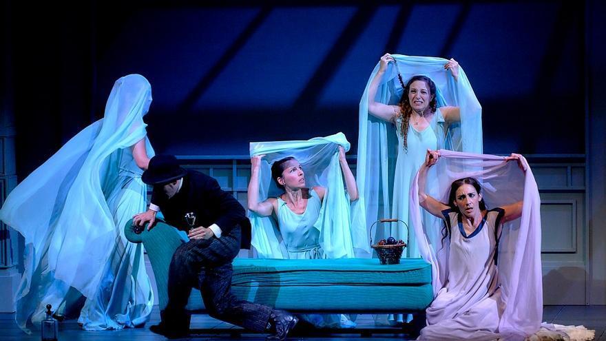El Teatro Romea acoge la comedia de Calderón de la Barca 'La dama duende'