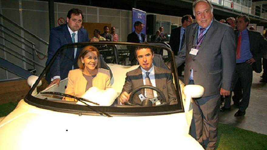 El ex ministro Soria con Dolores Cospedal en el I Encuentro de empresas de Automoción celebrado en Almansa.