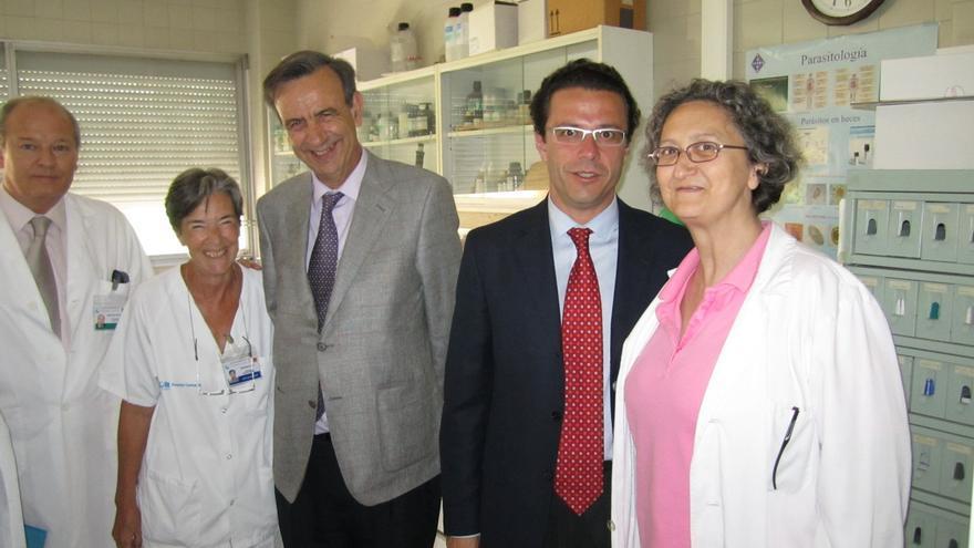 Antonio Burgueño junto al ex consejero de Sanidad, Fernández-Lasquetty.