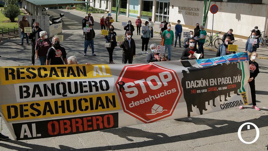 Stop Desahucios pide una ley de vivienda que regule alquileres asequibles y garantice los suministros básicos