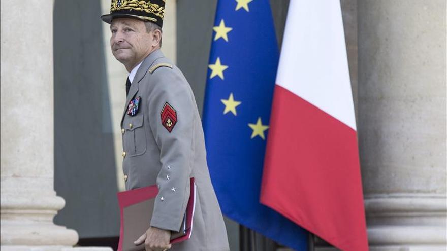 El Jefe del Estado Mayor francés dice que los  bombardeos han hecho mucho daño al EI