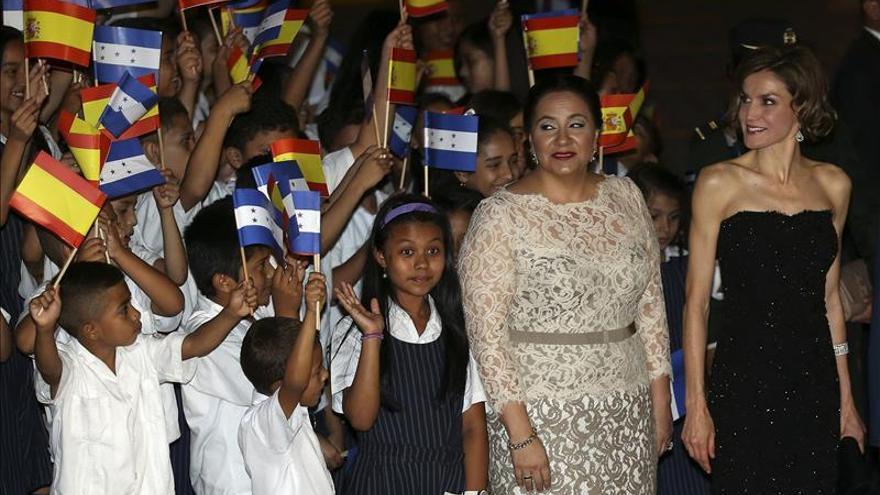 La reina Letizia valora en Honduras la utilidad de los proyectos de cooperación