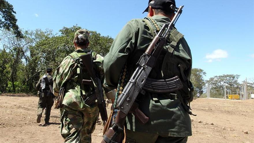 Imagen de archivo de guerrilleros de las FARC en Colombia.