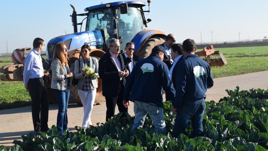 Ayala y Carreño visitaron una cooperativa agraria