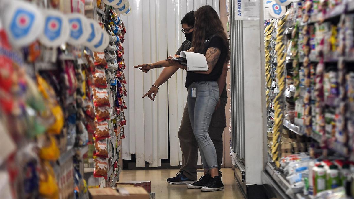 Las ventas en los supermercados registraron en octubre una caída del 2,2% respecto a igual mes de 2019