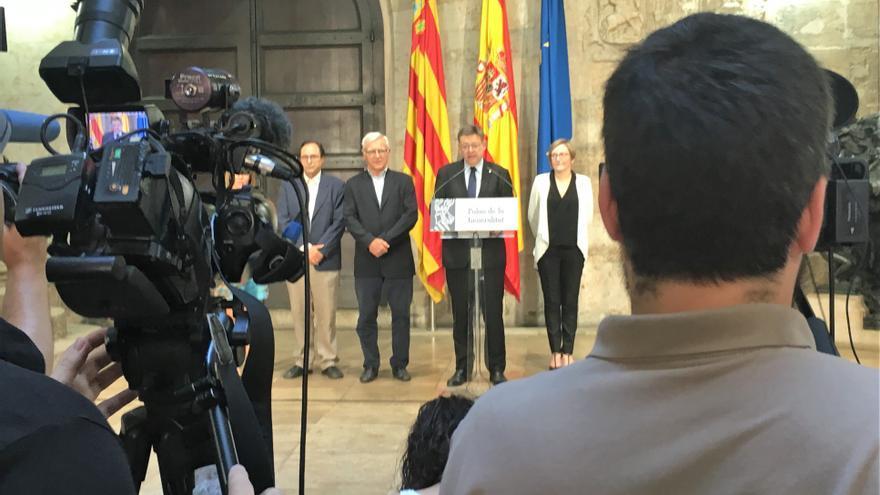 El president Ximo Puig junto al alcalde de Valencia,Joan Ribó, y los consellers María José Salvador y Vicent Soler
