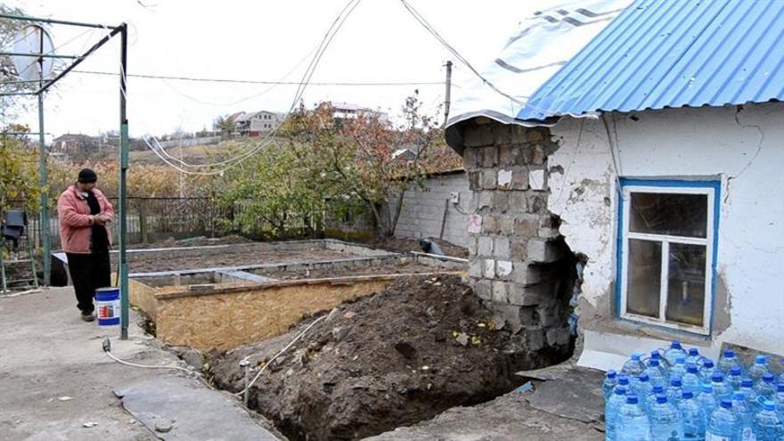 La guerra en el este de Ucrania castiga a pueblos enteros sin agua, luz y gas
