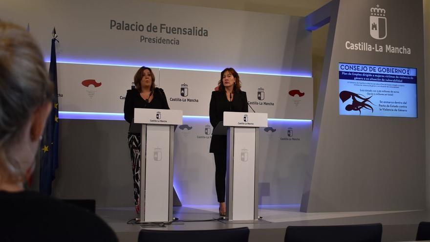 Patricia Franco, consejera de Economía (izquierda); Blanca Fernández, portavoz y consejera de Igualad (derecha)