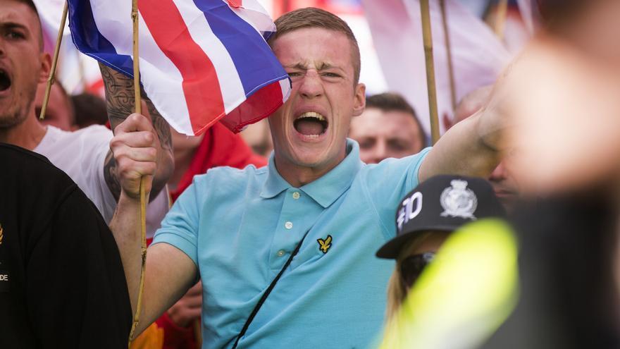 Un manifestante de extrema derecha grita durante una marcha en Rotherham, Reino Unido / Andrew Mccaren
