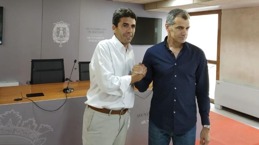 Carlos Mazón (PP) junto a Toni Cantó (Ciudadanos) en Alicante